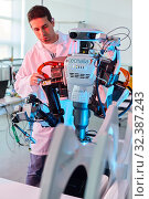 Купить «Robot Autonomy for Flexible Manufacturing, Collaborative robotic, Advanced manufacturing Unit, Technology Centre, Tecnalia Research & Innovation, Donostia...», фото № 32387243, снято 14 мая 2019 г. (c) age Fotostock / Фотобанк Лори