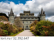 Inveraray Castle and Garden, Clan Campbell Seat, Argyll, Scotland, United Kingdom, Europe (2019 год). Редакционное фото, фотограф James Emmerson / age Fotostock / Фотобанк Лори