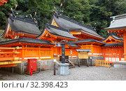 Kumano Hayatama Taisha shrine. Shingu. Wakayama. Japan (2007 год). Редакционное фото, фотограф Serg Zastavkin / Фотобанк Лори