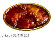 Купить «Pickled cod in tomato sauce in open tin can, nobody», фото № 32410263, снято 23 февраля 2020 г. (c) Яков Филимонов / Фотобанк Лори