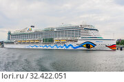 Cruise ship Aida prima at Kiel harbor, Schleswig-Holstein, Germany. Редакционное фото, фотограф Николай Коржов / Фотобанк Лори