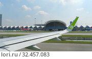 Купить «Airplanes in Suvarnabhumi airport», видеоролик № 32457083, снято 14 ноября 2018 г. (c) Игорь Жоров / Фотобанк Лори