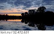 Летний закат над рекой Вологда (2019 год). Стоковое видео, видеограф Юлия Бабкина / Фотобанк Лори