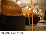 Copper brewing kettles in brewery. Стоковое фото, фотограф Яков Филимонов / Фотобанк Лори