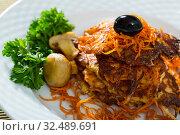 Купить «Vegetarian breakfast, fried carrot patties», фото № 32489691, снято 20 января 2020 г. (c) Яков Филимонов / Фотобанк Лори