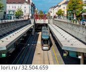 Die Straßenbahn in Linz, Ober-Österreich fährt zum Teil unterirdisch. Стоковое фото, фотограф Zoonar.com/Erwin Wodicka / age Fotostock / Фотобанк Лори