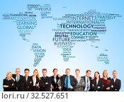 Business Team steht vor Weltkarte mit internationaler Technologie. Стоковое фото, фотограф Zoonar.com/Robert Kneschke / age Fotostock / Фотобанк Лори