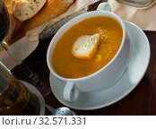 Купить «Cream soup with cheese», фото № 32571331, снято 25 мая 2020 г. (c) Яков Филимонов / Фотобанк Лори