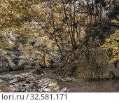 Источник Пания, Большой Крымский Каньон, полуостров Крым. Стоковое фото, фотограф виктор химич / Фотобанк Лори