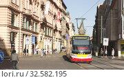 Купить «Everyday view of Prague city center streets at warm autumn day», видеоролик № 32582195, снято 13 октября 2019 г. (c) Яков Филимонов / Фотобанк Лори
