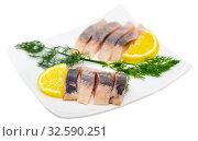 Купить «Fillet herring with dill and lemon», фото № 32590251, снято 16 декабря 2019 г. (c) Яков Филимонов / Фотобанк Лори