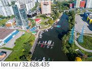 Купить «Московская область, Химки, вид сверху на Бутаковский залив и причалы для яхт и катеров», фото № 32628435, снято 13 августа 2019 г. (c) glokaya_kuzdra / Фотобанк Лори