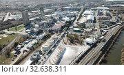 Купить «Top view of the chemical plant and the surrounding area», видеоролик № 32638311, снято 5 марта 2019 г. (c) Яков Филимонов / Фотобанк Лори
