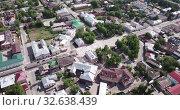 Купить «View from drone of Yegoryevsk modern cityscape, Moscow Oblast, Russia», видеоролик № 32638439, снято 12 мая 2019 г. (c) Яков Филимонов / Фотобанк Лори