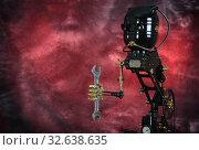 Ретро-футуристический робот с гаечным ключом. Стоковое фото, фотограф Валерий Александрович / Фотобанк Лори