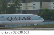 Купить «Airplane taxiing after landing», видеоролик № 32638663, снято 27 ноября 2019 г. (c) Игорь Жоров / Фотобанк Лори