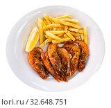 Fried shrimp with lemon and french fries. Стоковое фото, фотограф Яков Филимонов / Фотобанк Лори