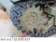 """Американский танк М4А2 """"Шерман"""" в Тульском парке """"Патриот"""", вид на гусеницу. Редакционное фото, фотограф Малышев Андрей / Фотобанк Лори"""