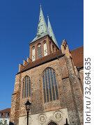 Twin spires of St Nicholas Church Nikolaikirche Mitte area Berlin Germany. Стоковое фото, фотограф Sergi Reboredo / age Fotostock / Фотобанк Лори