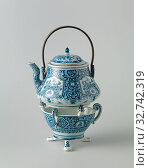 Купить «Stand with flowering plants and foliate scrolls, three-legged porcelain dish with three modeled buds and three S-volutes on which the kettle rests. Painted...», фото № 32742319, снято 28 мая 2020 г. (c) age Fotostock / Фотобанк Лори