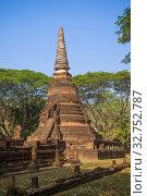 Древняя ступа буддистского храма Wat Nang Phaya. Исторический парк города Си Сатчаналай, Таиланд (2014 год). Стоковое фото, фотограф Виктор Карасев / Фотобанк Лори