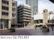 Barbican Centre in London (2019 год). Редакционное фото, агентство Caro Photoagency / Фотобанк Лори