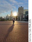 Купить «Hong Kong, China, view of the Wan Chai district with the Hong Kong Central Plaza Hotel», фото № 32754335, снято 10 декабря 2016 г. (c) Caro Photoagency / Фотобанк Лори