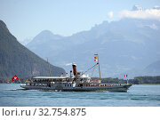 Montreux, Switzerland, excursion steamer on Lake Geneva (2016 год). Редакционное фото, агентство Caro Photoagency / Фотобанк Лори