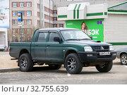 Купить «Mitsubishi L200», фото № 32755639, снято 9 июня 2019 г. (c) Art Konovalov / Фотобанк Лори