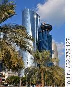 Doha, Qatar - Nov 24. 2019. Al Bidda Tower and a World Trade Center on sky background. Редакционное фото, фотограф Володина Ольга / Фотобанк Лори