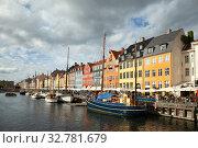 Nyhavn or New Harbour, Copenhagen, Denmark (2019 год). Редакционное фото, фотограф Маврин Владислав / Фотобанк Лори
