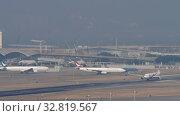 Купить «Malaysia Airlines Airbus A330 departure from Hong Kong», видеоролик № 32819567, снято 10 ноября 2019 г. (c) Игорь Жоров / Фотобанк Лори