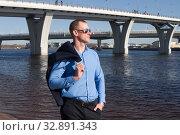 Мужчина в деловом костюме. Стоковое фото, фотограф Наталья Иванова / Фотобанк Лори