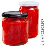 Купить «Pickled peppers in a glass jar», фото № 32903927, снято 6 апреля 2020 г. (c) Яков Филимонов / Фотобанк Лори