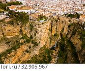 Rocky landscape of Ronda with buildings and Bridge, Andalusia, Spain (2019 год). Стоковое фото, фотограф Яков Филимонов / Фотобанк Лори