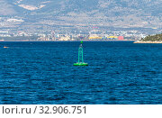 The floating sign of a buoy. Стоковое фото, фотограф Татьяна Ляпи / Фотобанк Лори
