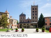Benedictine Monastery of Santa Maria de Ripoll, Catalonia (2017 год). Стоковое фото, фотограф Яков Филимонов / Фотобанк Лори