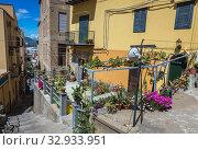 Houses in Cefalu city and comune in Metropolitan City of Palermo, located on the Tyrrhenian coast of Sicily, Italy. Стоковое фото, фотограф Konrad Zelazowski / easy Fotostock / Фотобанк Лори