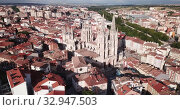 Купить «Aerial view on the Cathedral of Burgos. Castilla y Leon. Spain», видеоролик № 32947503, снято 20 июня 2019 г. (c) Яков Филимонов / Фотобанк Лори
