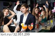 Females and males celebrating corporate. Стоковое фото, фотограф Яков Филимонов / Фотобанк Лори