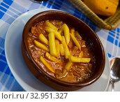 Купить «Stewed tripe (Callos) with potatoes», фото № 32951327, снято 25 января 2020 г. (c) Яков Филимонов / Фотобанк Лори