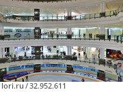 Купить «Doha, Qatar - Nov 18. 2019. Doha City Center - Shopping Center. Interior», фото № 32952611, снято 18 ноября 2019 г. (c) Володина Ольга / Фотобанк Лори