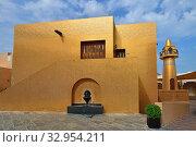 Купить «Золотая мечеть в Katara Cultural Village в Дохе, Катар», фото № 32954211, снято 20 ноября 2019 г. (c) Володина Ольга / Фотобанк Лори