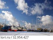 Tallinn, Estonia - DEC 01, 2019: Military boats in Lennusadam museum. Редакционное фото, фотограф Юлия Кузнецова / Фотобанк Лори