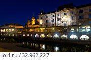 Cityscape by dusk, the triple bridge. Ljubljana. Slovenia (2019 год). Стоковое фото, фотограф Яков Филимонов / Фотобанк Лори