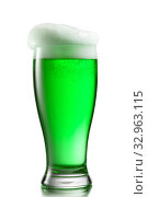 Купить «Fresh natural light beer with thick foam in a glass.», фото № 32963115, снято 8 ноября 2013 г. (c) Ярослав Данильченко / Фотобанк Лори
