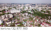 Купить «Scenic aerial view of Russian city of Voronezh in cloudy spring day», видеоролик № 32977183, снято 4 мая 2019 г. (c) Яков Филимонов / Фотобанк Лори