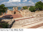 Купить «Ruins of an ancient amphitheater in Nessebar, Bulgaria», фото № 32982523, снято 26 июня 2019 г. (c) Юлия Бабкина / Фотобанк Лори