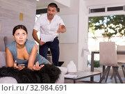 Frustrated woman with screaming husband. Стоковое фото, фотограф Яков Филимонов / Фотобанк Лори