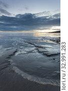 Купить «Winter evening on Shoreham beach, West Sussex, England.», фото № 32991283, снято 10 января 2020 г. (c) age Fotostock / Фотобанк Лори